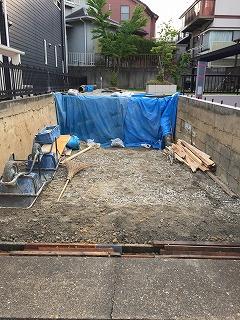庭解体し駐車場