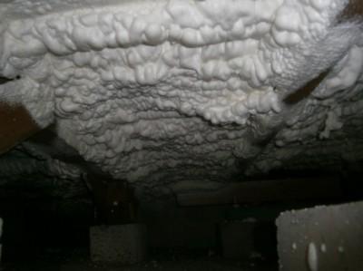 吹付の断熱㈶ 床下