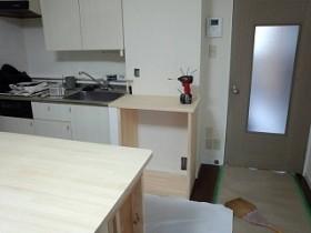 キッチン作業台を広げる