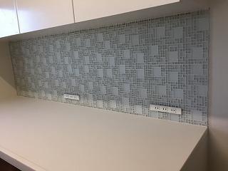 キッチンカップボードのタイル