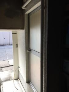 ガレージの入り口ドア