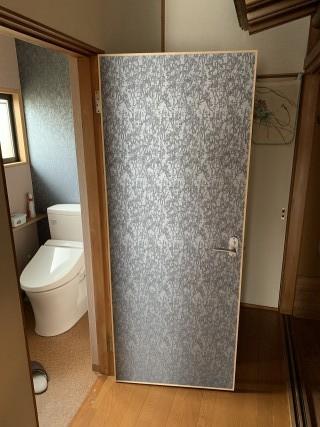 トイレドアの製作