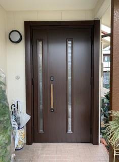 親子ドアの玄関ドアリフォーム
