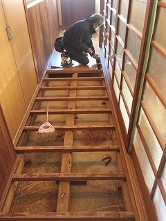 廊下の床張替
