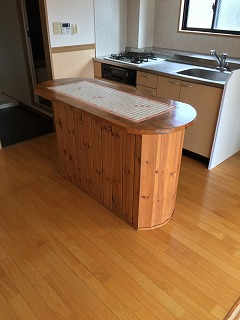 アパート キッチンカウンター作成