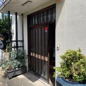 木製引き戸の玄関ドア