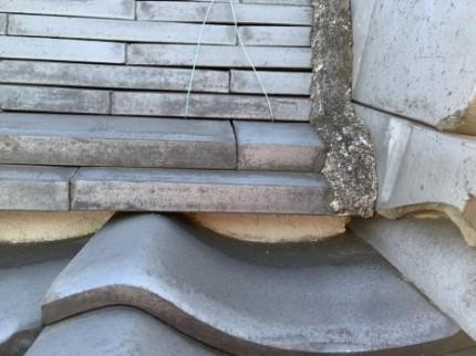 瓦屋根の漆喰 施工の様子