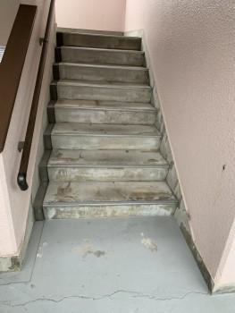 ノンスキッド階段 施工前