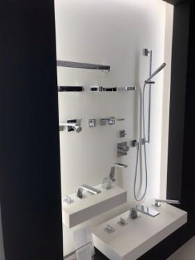 浴室水洗金具の展示