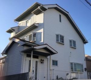 外壁塗装BEFORE白い家