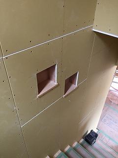 階段のニッチ棚