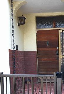 木の玄関ドアBEFORE