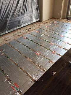 マンション床暖房用の床